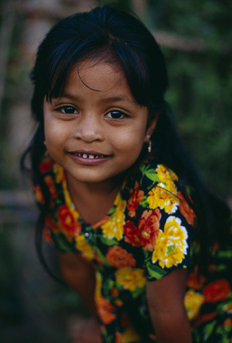 by deco4macro on Flickr.Young faces of the world - Ceylon girl.