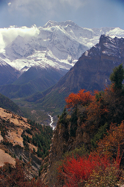 Looking back down the Marsyangdi River Valley, Himalayas, Nepal