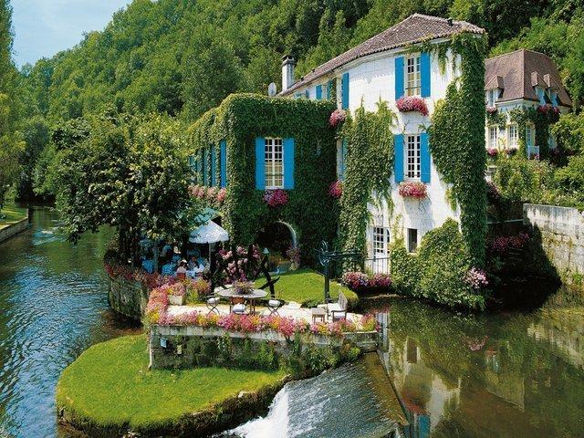 Riverside, Brantome, France