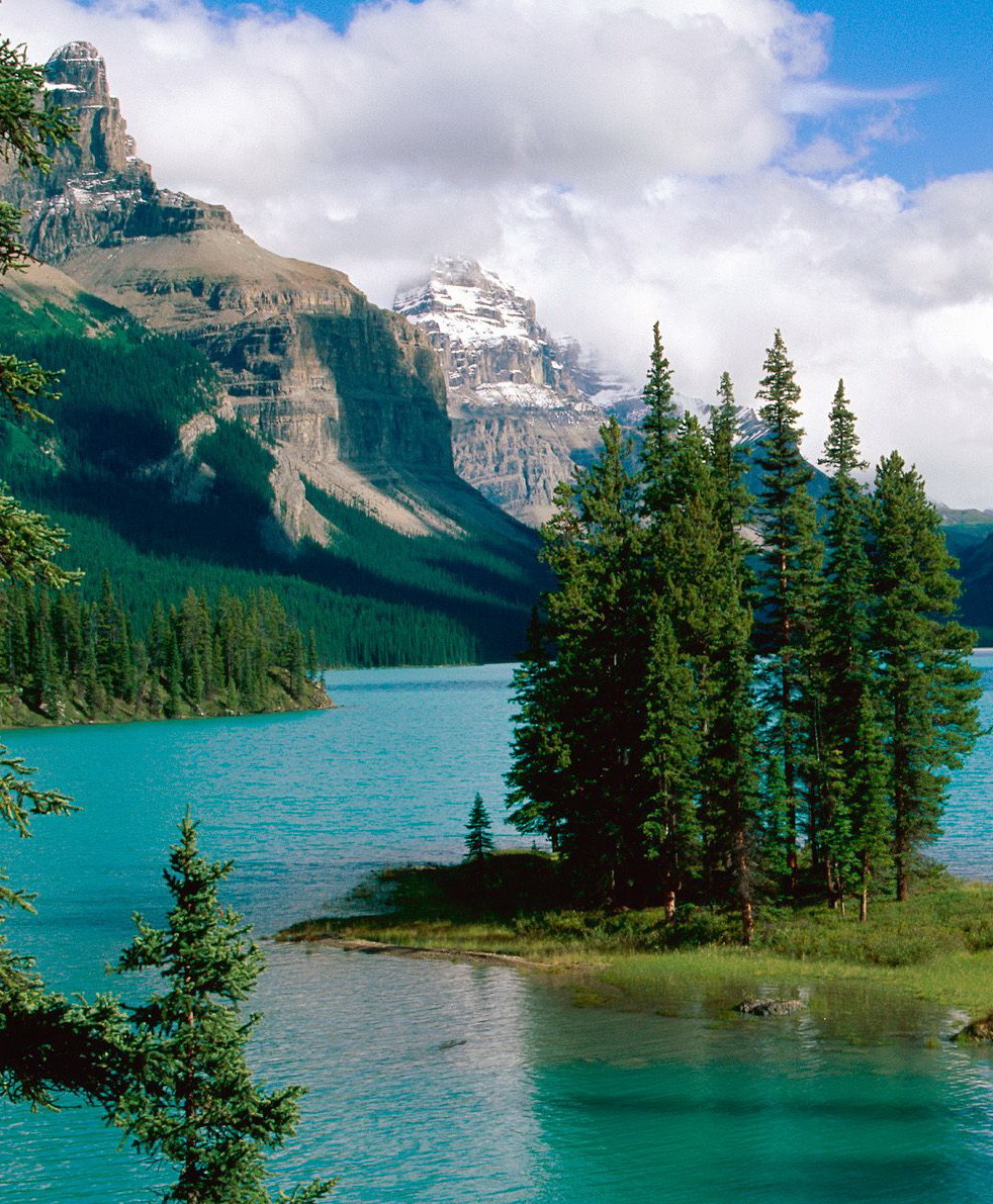 Spirit Island at Maligne Lake in Jasper National Park, Canada